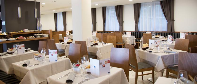 blu-hotel-natura-spa-restaurant.jpg